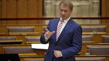 A DK szerint az EB figyelmeztette a kormányt