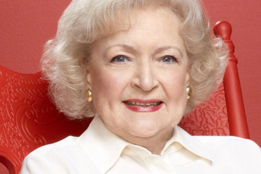 A 96 éves színésznő mindenkit elbűvölt az esti gálán - Még mindig remekül néz ki