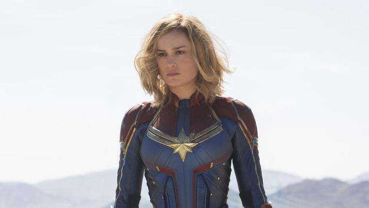 Marvel kapitány leken egy pofont