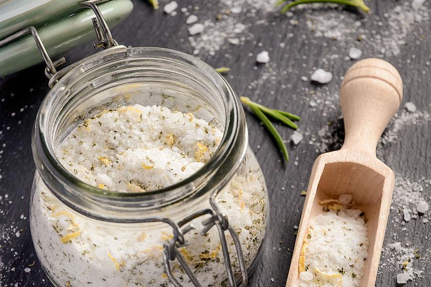 Házi, rozmaringos, citromos fűszersó: ezzel dobd fel kedvenc sültjeidet