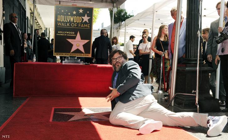 Jack Black amerikai színész, zenész a nevét viselő csillag avatási ünnepségén a Hollywoodi hírességek sétányán, Los Angelesben 2018. szeptember 18-án.