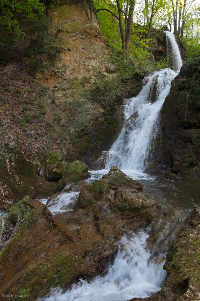 48036ea5e2 5+1 gyönyörű hazai vízesés, ahova idén ősszel el kell látogatnod ...