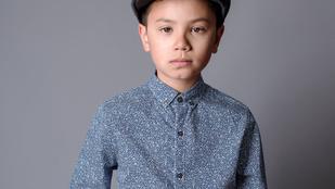 Modell lett az autista kisfiúból, akit az iskolai fotózásról kitiltottak