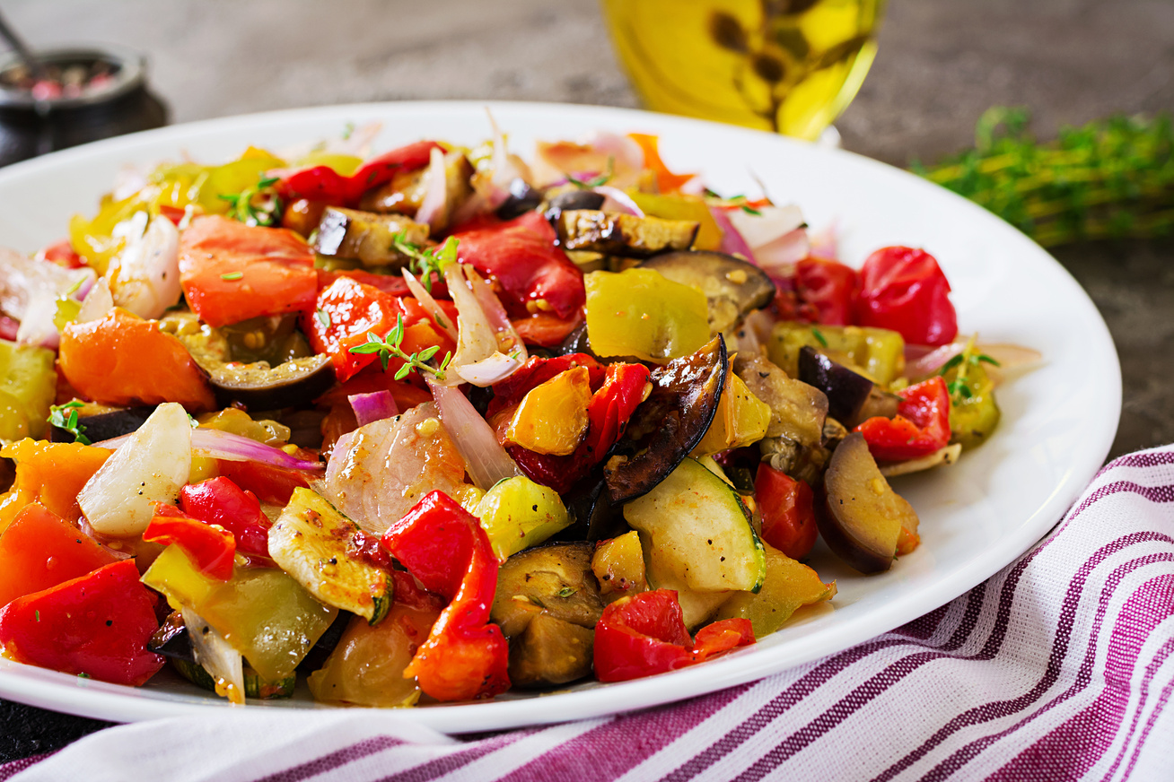 Karcsúsító, színes, sült zöldségköret: tepsiben és serpenyőben is készítheted