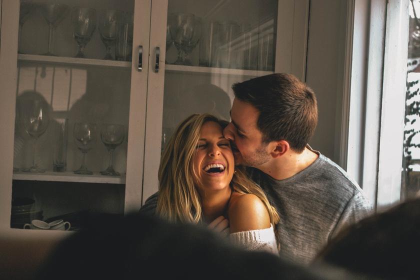 kapcsolat romantika meghitt (2)