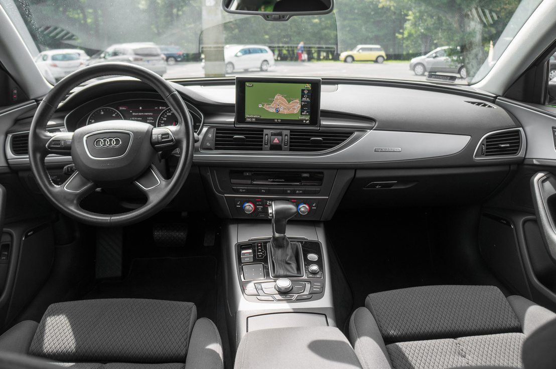 Gyönyöru fabetétet gyárt az Audi, de így is kikezdhetetlen a beltér