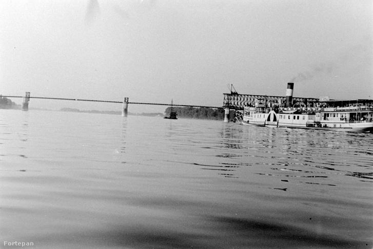 Az Újpesti vasúti híd építése K elemekből, 1952.