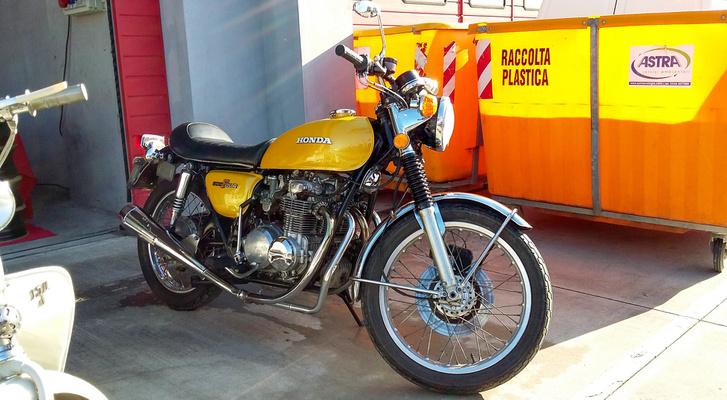 Kezd legendává válni: Honda 400 Four
