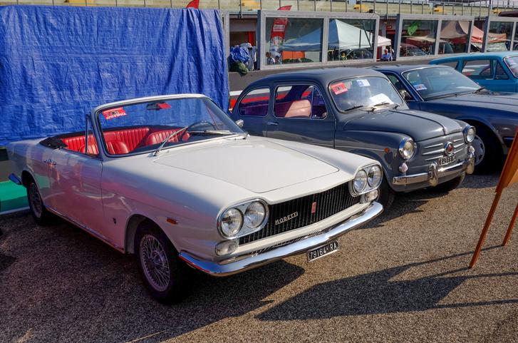 Egy kissé aránytalan Moretti - talán 1100-as Fiat az alapja? 1300-as?