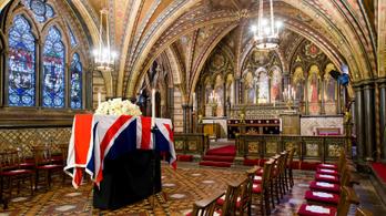 Külön ruhát tartanak a BBC-nél a királynő halálára