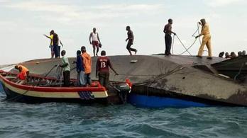 300 utassal a fedélzetén elsüllyedt egy komp Tanzániában
