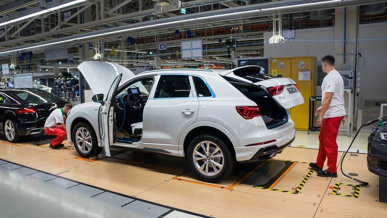 A gyártás utolsó harmadában már majdnem kész az autó, de a futóműve még nincs beállítva
