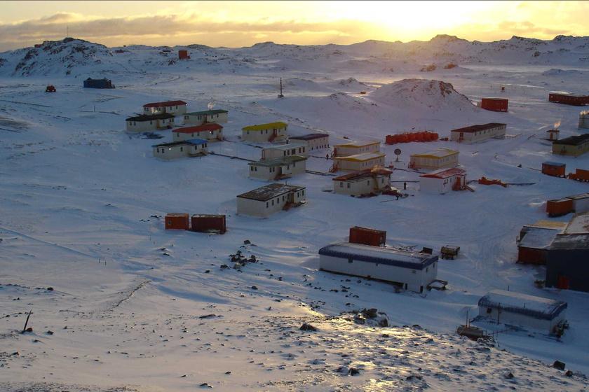 Pingvinek között, a világ végén: az élet egy antarktiszi faluban