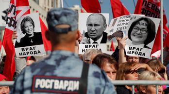 Nem a demokrácia, hanem a nyugdíjreform fenyegeti a Kremlt