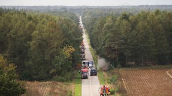 Rakétakilövés miatt három hete ég egy német láp