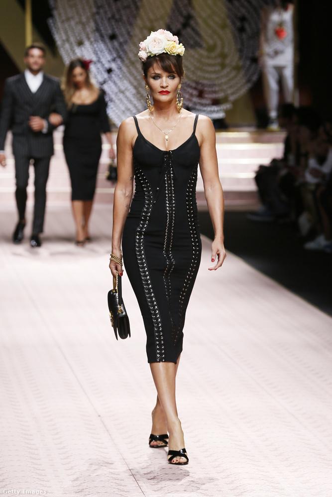 De a nagy szupermodell-generációt is képviselték páran, például Helena Christensen.