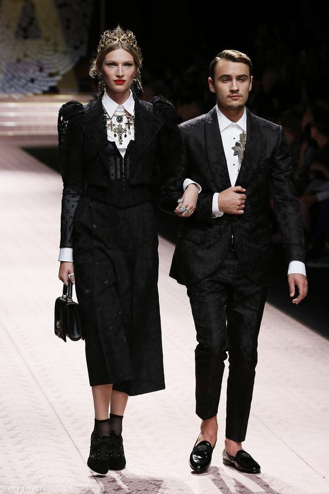Ez elvileg a női divatra koncentráló műsor volt, de azért férfiak is feltűntek, merthogy a Dolce & Gabbana szeret párokat és családokat, akár gyerekekkel együtt is felküldeni a kifutóra.