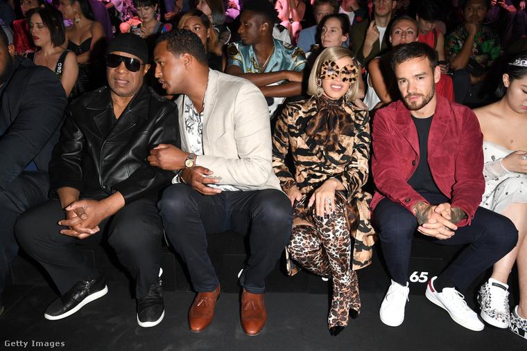 Volt még pár híresség a nézőközönségben