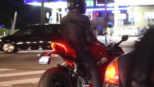 Ha szereti a motorokat, nézze meg Tom Cruise Ducatiját!