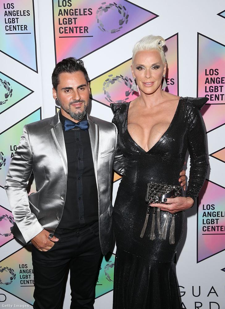 Ugyanaznap este férjével, Mattia Dessivel beugrottak egy másik hosszúnevű gálára is a Beverly Hilton Hotelbe, ez volt a Los Angeles LGBT Center's 49th Anniversary Gala Vanguard Awards.