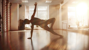 10 perces, könnyű reggeli edzés a szebb alakért!