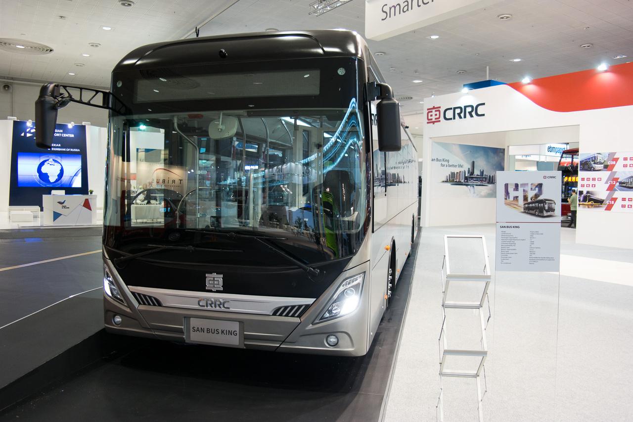 Talán a gyártó a CRRC és a San Bus King az elektromos jármű típusa, de lehet, hogy fordítva. A szokatlanul nagy területen kiállító cég csak ezt az egy járművet hozta, de mondjuk már 80 ezer(!) elektromos hajtásláncot gyártottak. Hiába, Kína ilyen nagy!