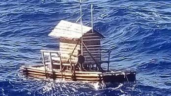 Másfél hónapig hánykolódott a tengeren egy indonéz tini