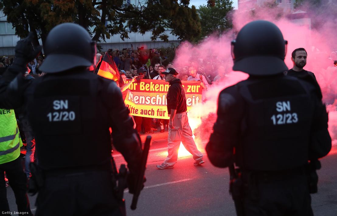 Idegenellenes tüntetők Chemnitzben 2018 augusztus 27-én