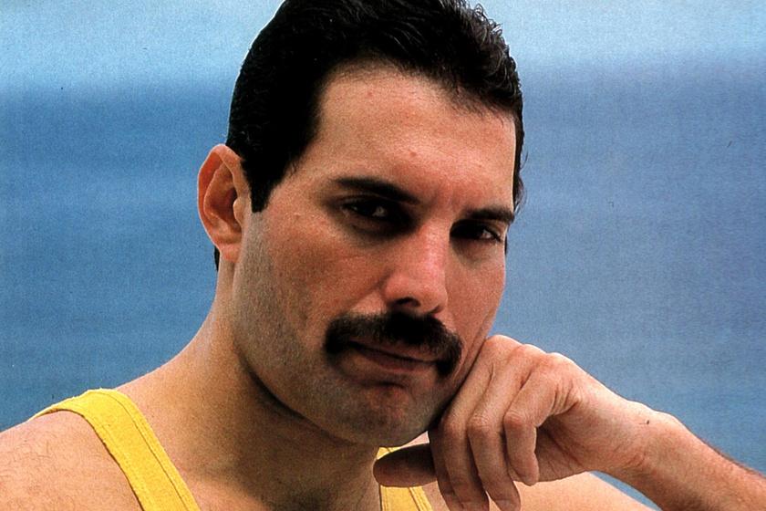 Sosem látott fotókon Freddie Mercury - Így csak a barátai ismerhették a legendát