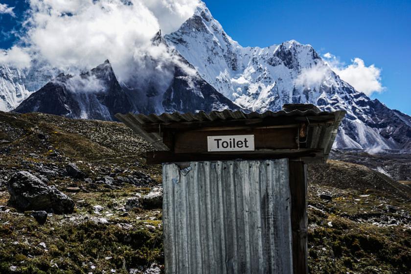 Íme, itt a Mount Everest pazar vécéje: nem agyonhasznált, nincs sor, és nem is fizetős