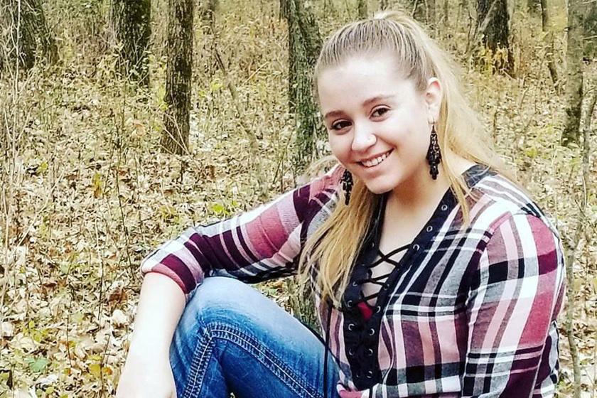 Ez a 16 éves lány kifejezetten élvezi, hogy más a teste, mint a többieké