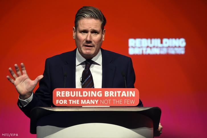 Keir Starmer, a Munkáspárt árnyékkormányának Brexit-ügyi minisztere beszél a párt éves konferenciáján Liverpoolban 2018. szeptember 25-én.