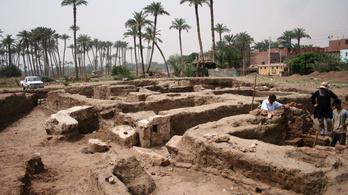 Óriási ókori lakóépületet találtak Egyiptomban