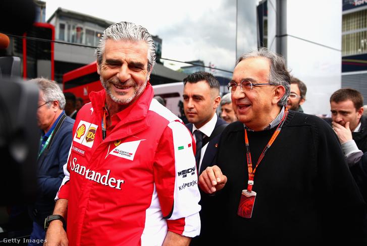 Maurizio Arrivabene beszél Sergio Marchionneval a paddockban az Osztrák Nagydíj előtt 2015. június 21-én.