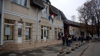 Hazaárulás miatt indul eljárás a beregszászi magyar állampolgári eskük miatt