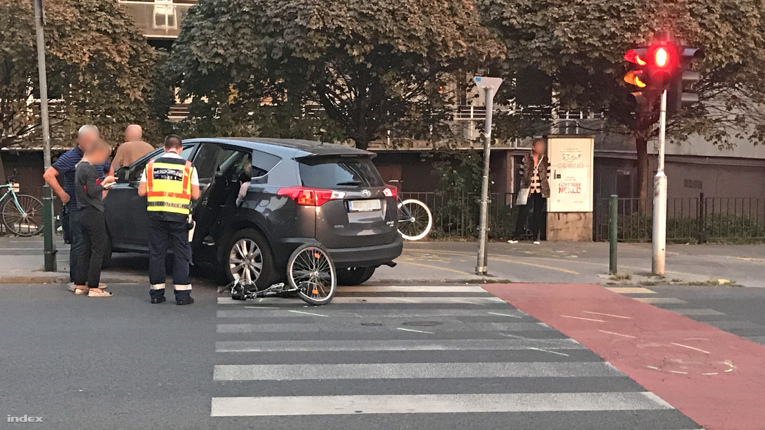 Kerékpáros baleset a II. kerületben