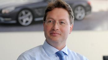 Új vezér kerül Mercedes élére