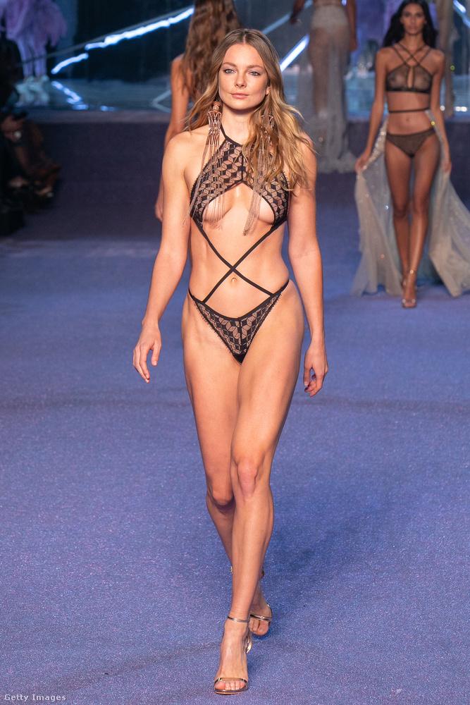 A márka ugyanis megmutatta az új kollekcióját a párizsi divathéten,...