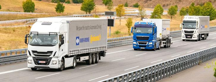 Az önvezetés következő lépése a 4. szintű vonatozás, ahol a járművek 15-20 méterre követik egymást, és a hátsó járművek vezetői pihenhetnek
