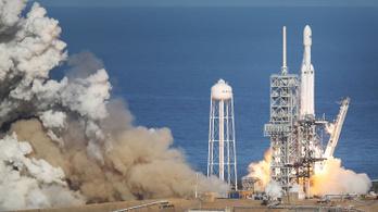 A SpaceX-szel megy a Holdra egy japán cég