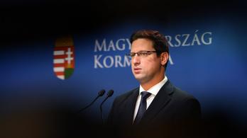 Orbán Garancsi magángépén: Gulyás szerint csak lejárató akció