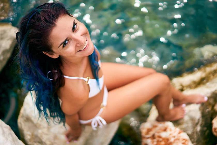 Cseh Laci legutóbb ezt a dögös, bikinis fotót töltötte fel gyönyörű feleségéről, Diáról.