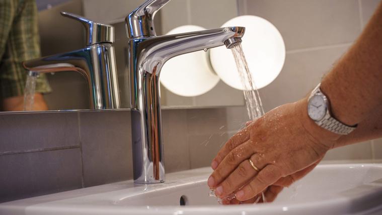 Egységesítené a vízdíjat a kormány