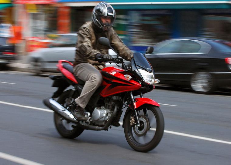 Honda CBF125                         A lista első, minden szempontból rendes motorkerékpárja éppenhogy lecsúszott a dobogóról: a felhasználók 2,2 literes átlagot hoztak ki vele - és ha ehhez hozzávesszük, hogy a tankja 13 literes, elég komoly túrapotenciál rajzolódik ki