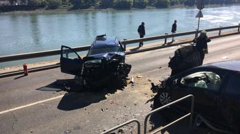 Öt autó és egy biciklis ütközött a budai alsó rakparton