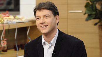Bruttó 2,4 milliót keres az MTVA hírhamisító vezére