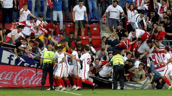 Több ember megsérült, amikor leszakadt a korlát a Sevilla meccsén