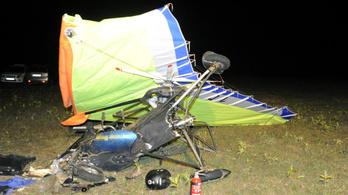 Lezuhant egy sárkányrepülő Inárcsnál, egy ember meghalt
