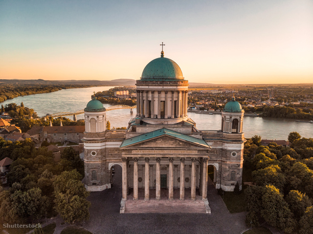 a5b9f0f9ed Ne hagyd ki a Bazilika kupolájából eléd táruló kilátást, ha Esztergomban  jársz.