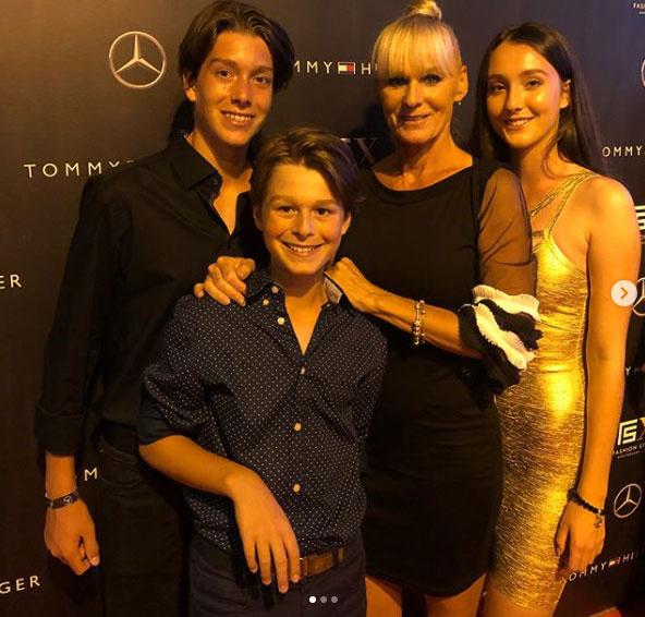 Temesvári Andrea három gyermeke közül Tímea a legidősebb, 17 éves.